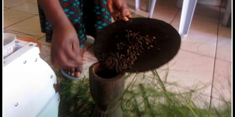 How to make coffee in Ethiopia?